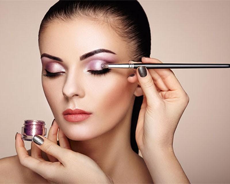 Maquillage professionnel Institut Essentielle à Lomme